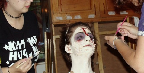 A-Camp-ZS2010-zombie-make-up-006